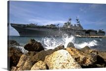 The amphibious assault ship USS Kearsarge visiting the Netherlands Antilles