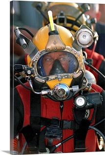 US Navy Officer wears the MK21 Mod One diving helmet