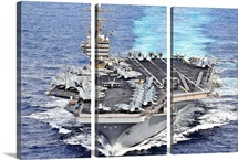 USS Abraham Lincoln transits the Pacific Ocean