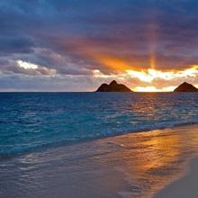 Hawaii, Oahu, Lanikai, Sunrise With The Mokulua Islands In The Distance