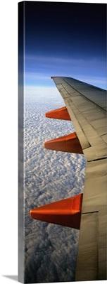 Aeroplane Wing Flying London To Glasgow
