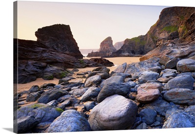 Boulders And Sea Stacks At Low Tide, Bedruthan Steps, Cornwall, England