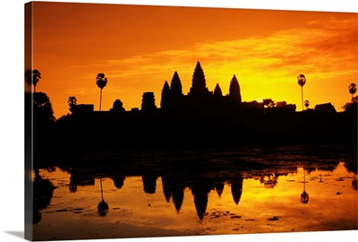 Cambodia, Siem Reap, Angkor Wat, Silhouette Of Temple At Sunrise
