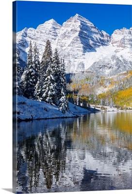 Colorado, Near Aspen, Landscape Of Maroon Lake And Maroon Bells