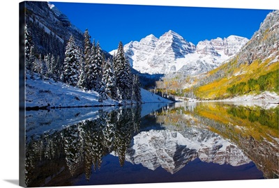 Colorado, Near Aspen, Landscape Of Maroon Lake And Maroon Bells In Distance