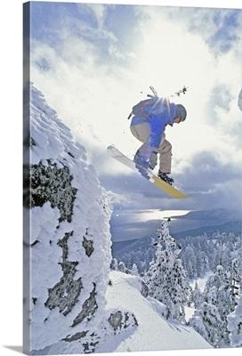 Diamond Peak, Lake Tahoe, Nevada, USA, Man Snowboarding In Mid-Air