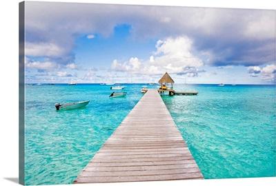 French Polynesia, Tuamotu Isalnds, Rangiroa Atoll, Pier On The Ocean