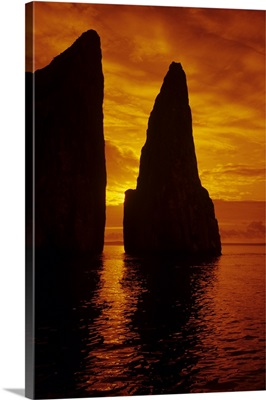 Galapagos, Orange Sunrise Over Kicker Rock