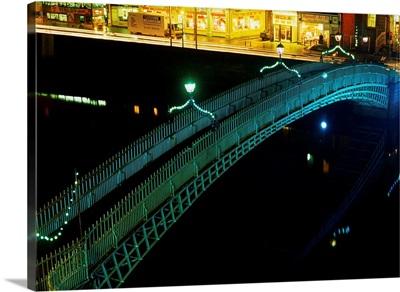 Ha'penny Bridge, Dublin City, Co Dublin, Ireland