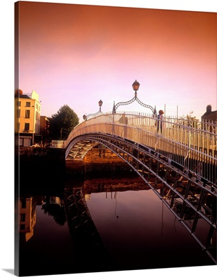 Ha'penny Bridge, River Liffey, Dublin, Co Dublin, Ireland