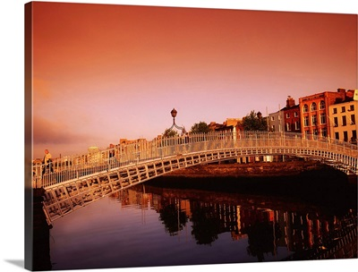Ha'penny Bridge, River Liffey, Dublin, County Dublin, Ireland