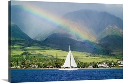 Hawaii, Maui, Lahaina, Rainbow In Front Of West Mauis Mountain Range