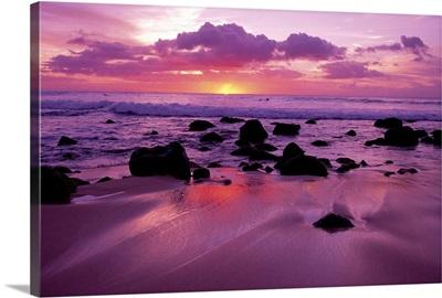 Hawaii, Molokai, West Shore, Sunset On Horizon