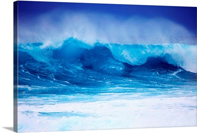 Hawaii, Oahu, Beautiful Wave Breaking