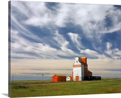Inland grain terminal with railway in the prairies, Instow, Saskatchewan, Canada
