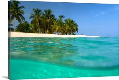 Looking Ashore To Cayo Levantado As Viewed Half Underwater