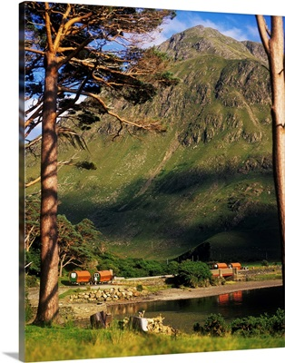 Mobile Homes At A Lakeside In Front Of A Mountain, Republic Of Ireland