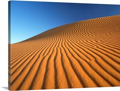 Morocco, sand dune at dawn in Erg Chebbi area, Sahara Desert near Merzouga