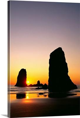 Oregon, Cannon Beach, Sea Stacks At Sunset