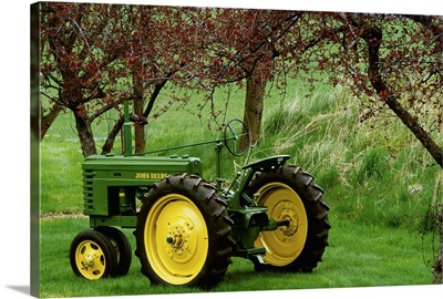 Restored 1940 John Deere model tractor