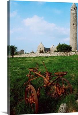 Round Tower, Kilmacduagh Near Gort, Co Clare, Ireland