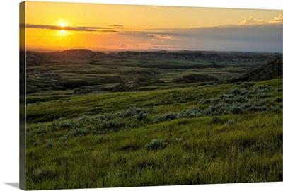 Sunset over Killdeer Badlands in Grasslands National Park, Saskatchewan, Canada