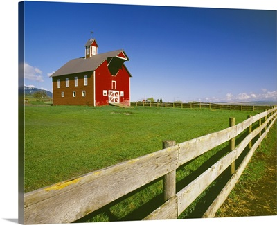 Well preserved red ranch barn