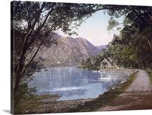 Path by the Loch. Loch Katrine