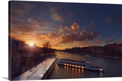 Bateaux Mouches Sunset