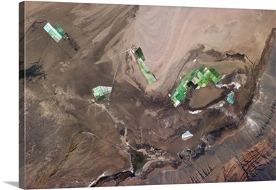 Chinese high mountain mining town, pulling colours to the surface