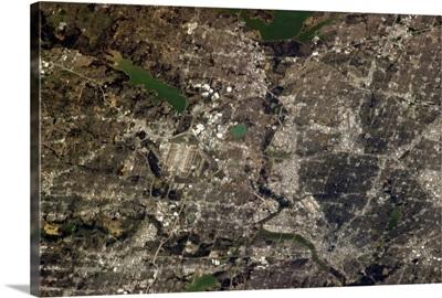 Dallas, TX - Dallas-Fort Worth is one big airport