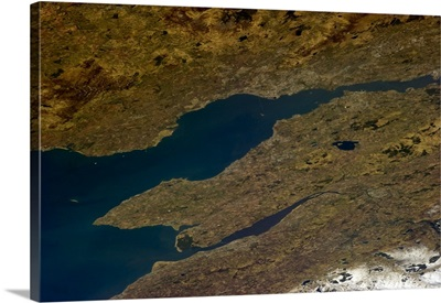 Edinburgh to Dundee, with the big Tay and Forth bridges visible.