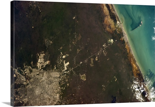 Merida, Yucatan, with a straight line to the Gulf of Mexico