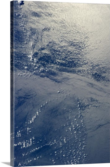 The Pacific current mixes with shore waters off the Central American coast