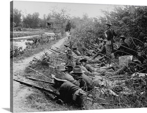 American Soldiers On Maneuvers During The Philippine ...