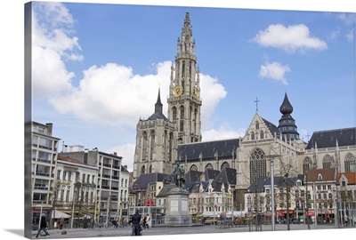 Belgium, Flanders, Antwerp, Statue of Rubens and Our Lady's Cathedral