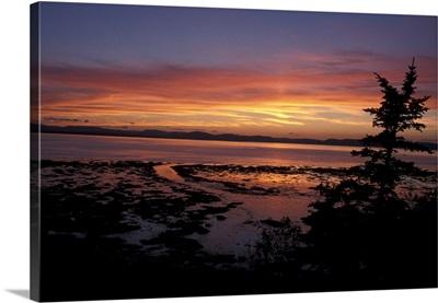Canada, Quebec, Gaspe Peninsula, St. Lawrence Seaway, Sunset