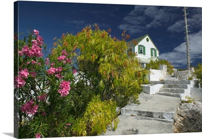 Caribbean, Turks and Caicos, Old Commisioner's House atop Tucker Hill