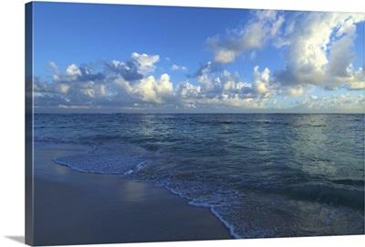 Dominican Republic, La Altagracia, Punta Cana, Bavaro Beach, sunrise