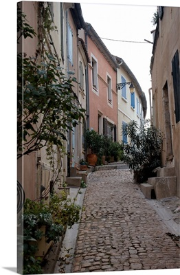 France, Arles, Provence, narrow cobble stone street
