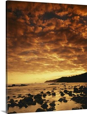 Hawaii, Maui, Sunrise at Honokohau Bay