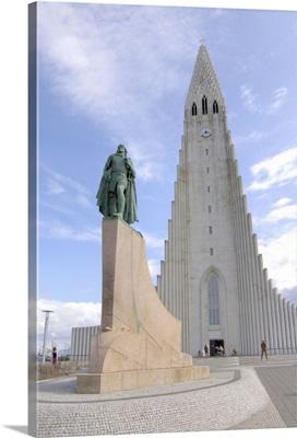 Iceland, Reykjavik, Hallgrimskirkja, Leif Eriksson