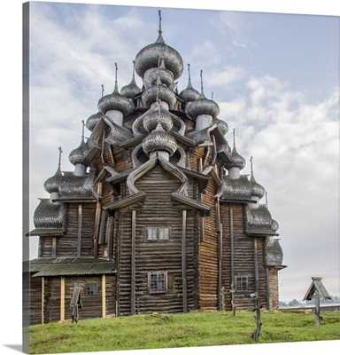 Kizhi Pogost wooden Church, Kizhi Island in Lake Onega, Karelia, Russia