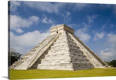 Mexico, Yucatan, Chichen Itza, Pyramid of Kukulcan
