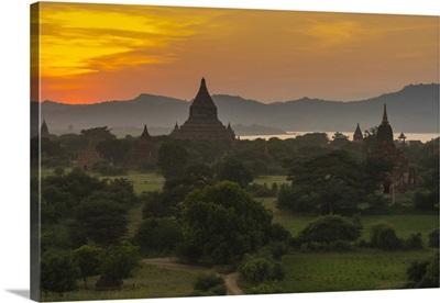 Myanmar. Bagan. Sunset over the temples of Bagan