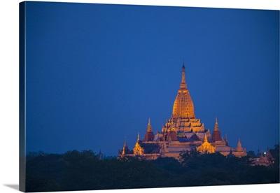 Myanmar, Bagan. Twilight on Ananda Temple