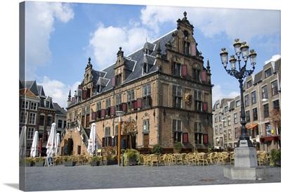 Netherlands, Gelderland, Nijmegen, Grote Markt, Waaghouis, the weigh house