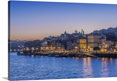 Portugal, Porto, Douro waterfront at Sunset
