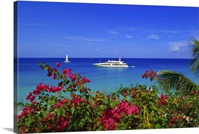 St. Martin/Maarten. Yacht off Long Beach (Baie Longue) St. Martin