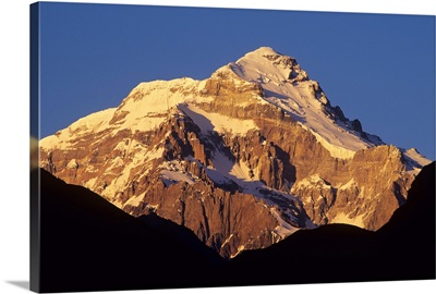 Sunrise on east face of Cerro Aconcagua, highest mountain in the Andes, Argentina